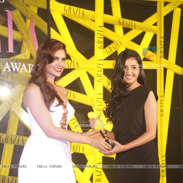 Esha Gupta felicitated at the Grazia Young Fashion Awards 2014