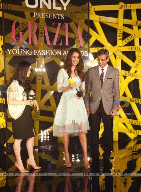 Shraddha Kapoor felicitated at the Grazia Young Fashion Awards 2014