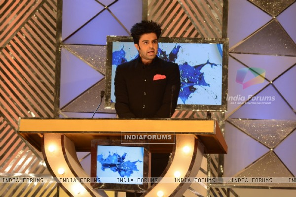 Manish Paul hosts Umang Awards 2014