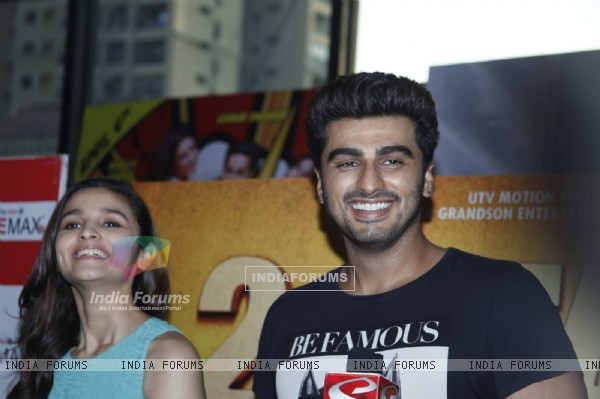 Alia Bhatt and Arjun Kapoor promote 2 States at a movie theatre