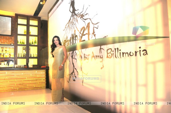 Amy Billimoria at the Launch of Signature Collection of Earth 21