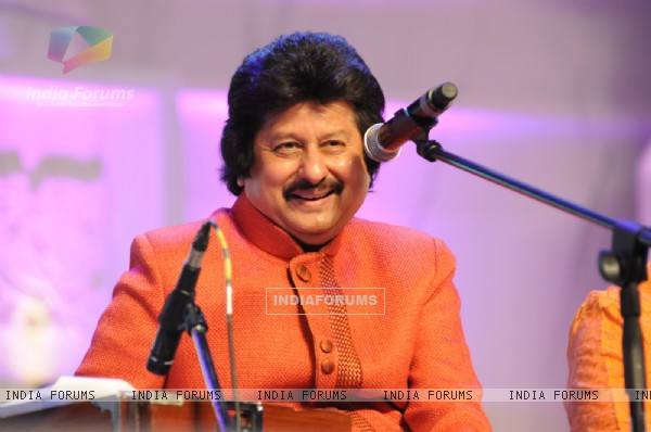 Pankaj Udhas performs at the  Tribute to the Legend of Pure Love concert