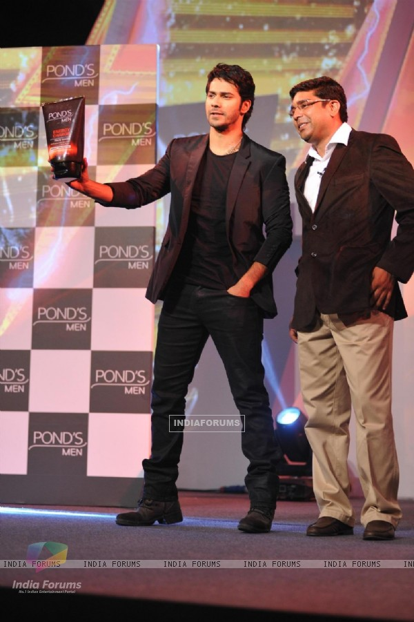 Varun Dhawan Launches the latest innovation in skincare for men in India by Pond's