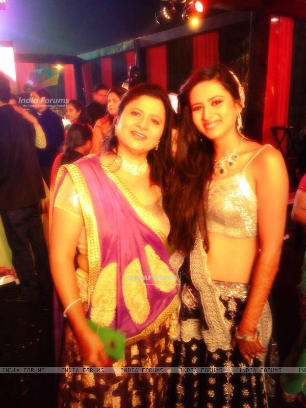 Sargun Mehta with her Mom