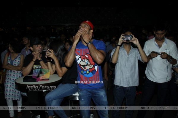Ranveer Singh blows out kisses to his fans