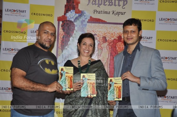 Vishal Dadlani launches Pratima Kapur's novel Tapestry
