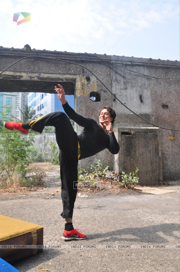 Tiger Shroff shows off his action skills