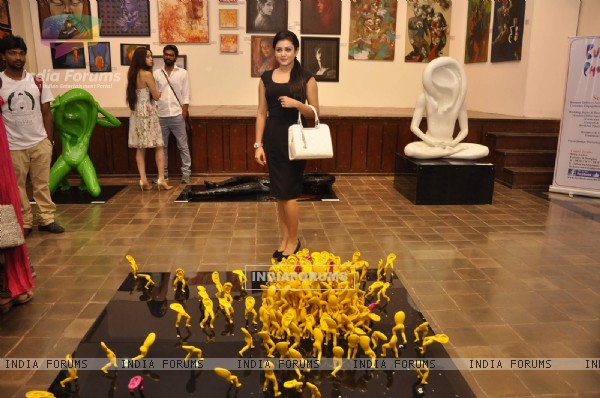 Mishti inaugrates an Art Exhibition