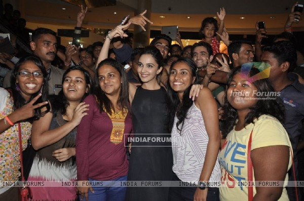Kiara gets clicked with her fans at Viviana Mall in Thane