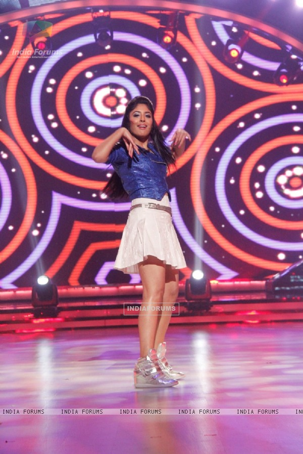 Kritika Kamra performs at the Launch of Jhalak Dikhhla Jaa Season 7