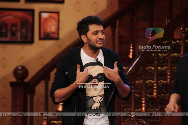 Riteish Deshmukh on Comedy Nights with Kapil