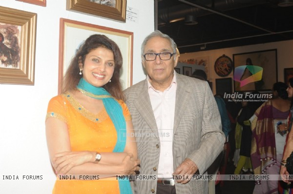 Varsha Usgaonkar at the Group Art Exhibition 'Colours of Life'