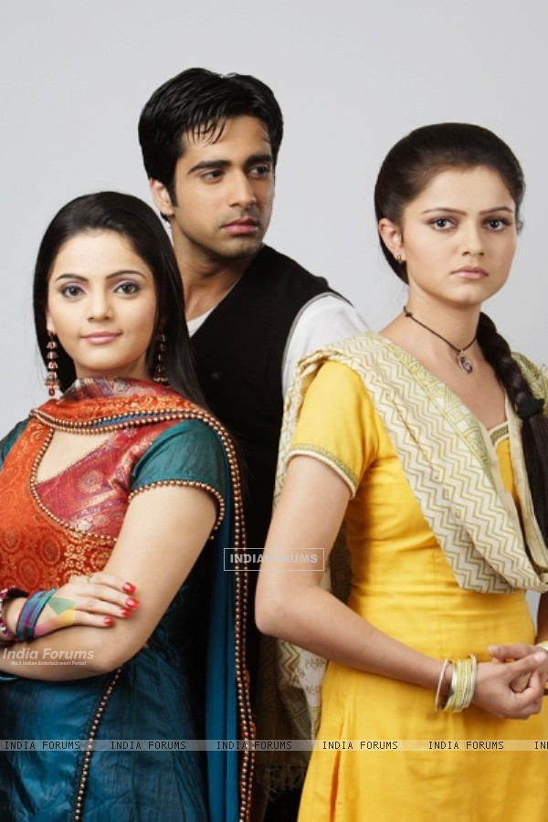 Dev, Radhika and Vishaka in Chhoti Bahu.. Sindoor Bin Suhaagan