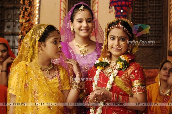 Anandi, Champa and Phooli in the show Balika Vadhu