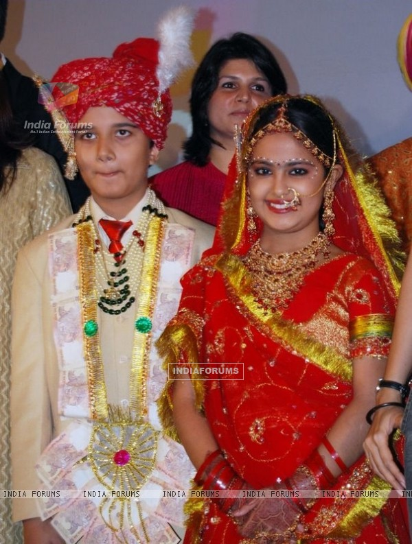 A still image of Anandi and Jagdish in Balika Vadhu