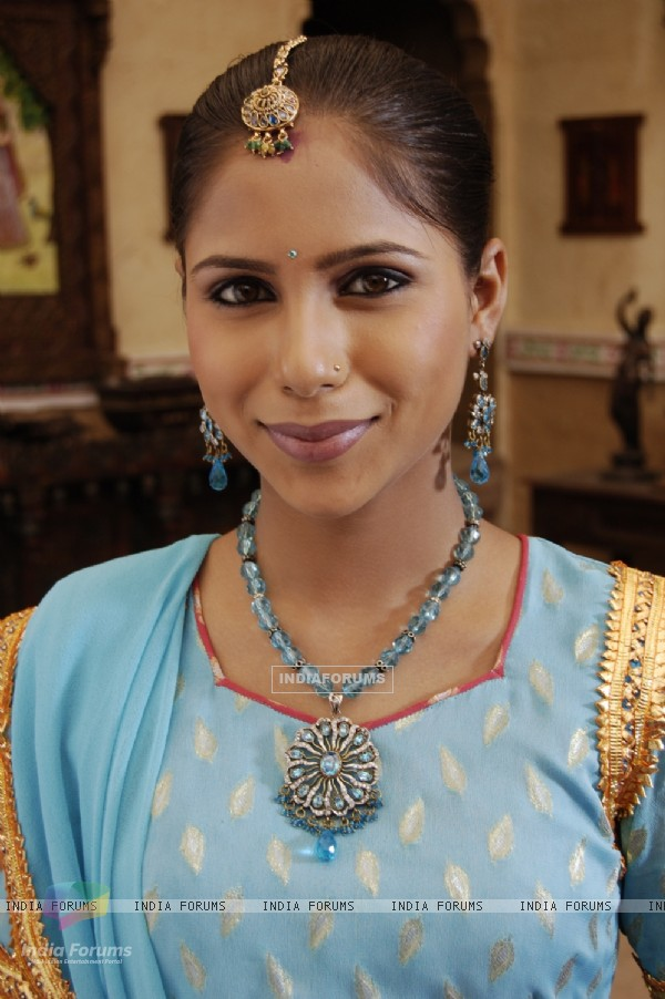 A still image of Sugna from the show Balika Vadhu