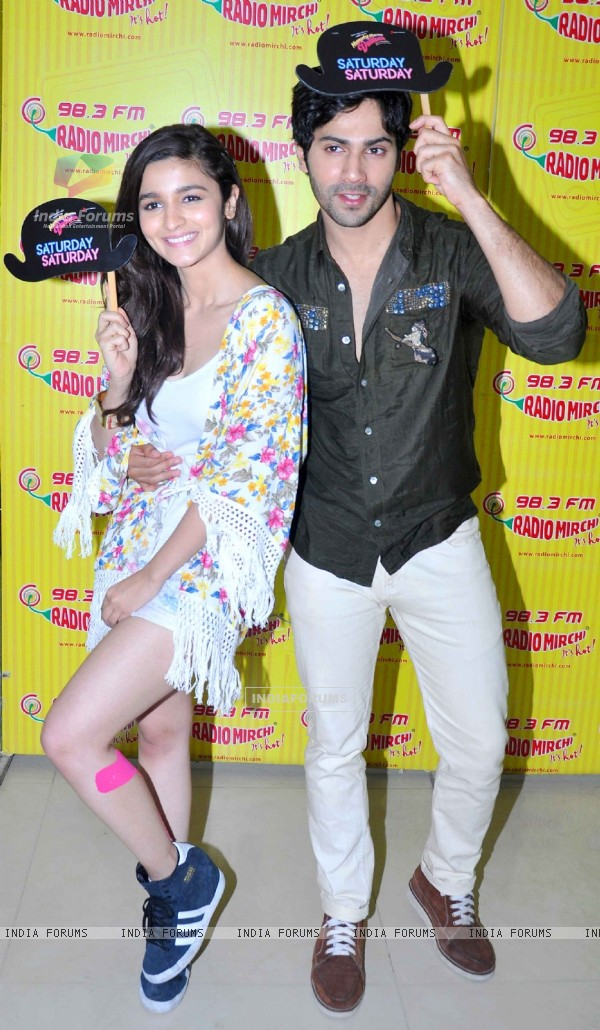 Promotions of 'Humpty Sharma Ki Dulhania' on Radio Mirchi