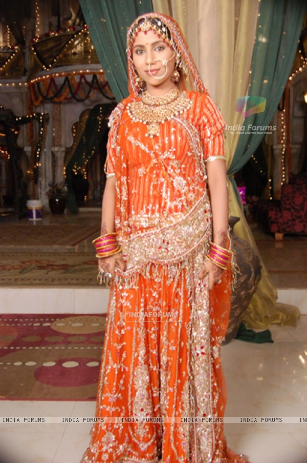 Sugna wearing a Bridal dress in Balika Vadhu