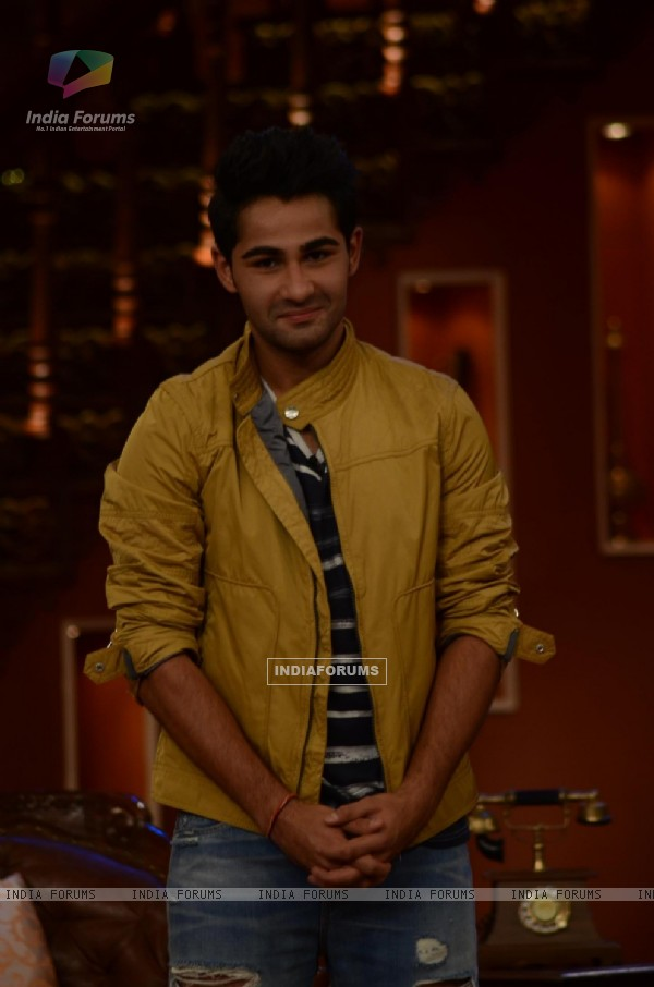 Armaan Promotes Lekar Hum Deewana Dil on Comedy Nights With Kapil