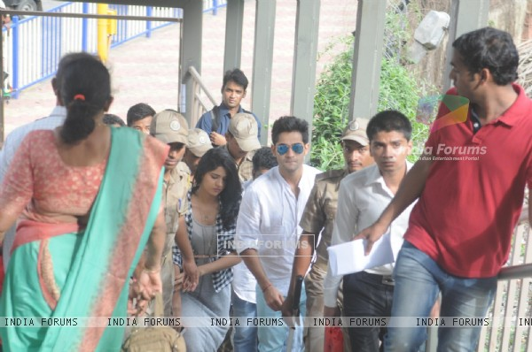 Deeksha and Armaan arrive at the metro station for the Promotion of 'Lekar Hum Deewana Dil'