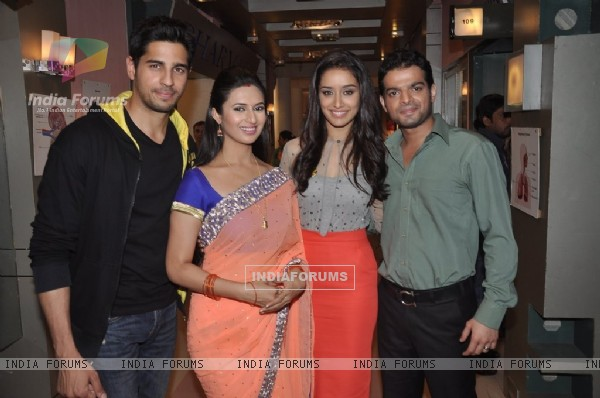 Shraddha and Sidharth on Ye Hai Mohabbatein sets