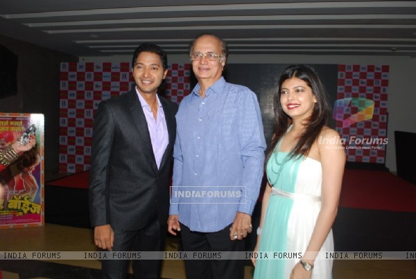 Shreyas Talpade, Dipti Talpade and Dilip Prabhavalkar at the Poshter Boyz Launch at Levo