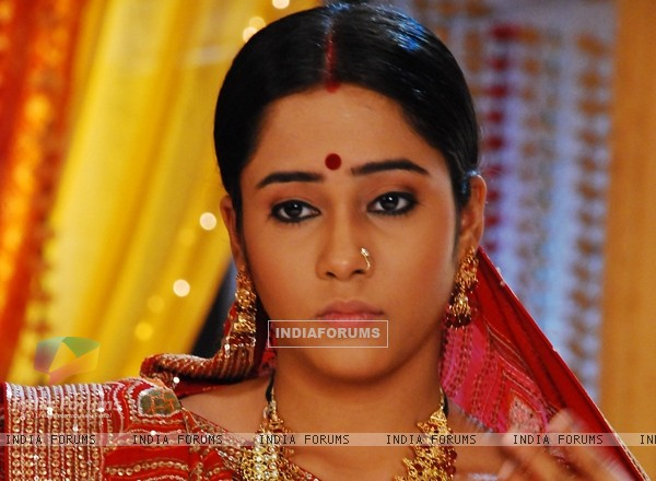 A still image of Santu as Aasiya Kazi in Bandini