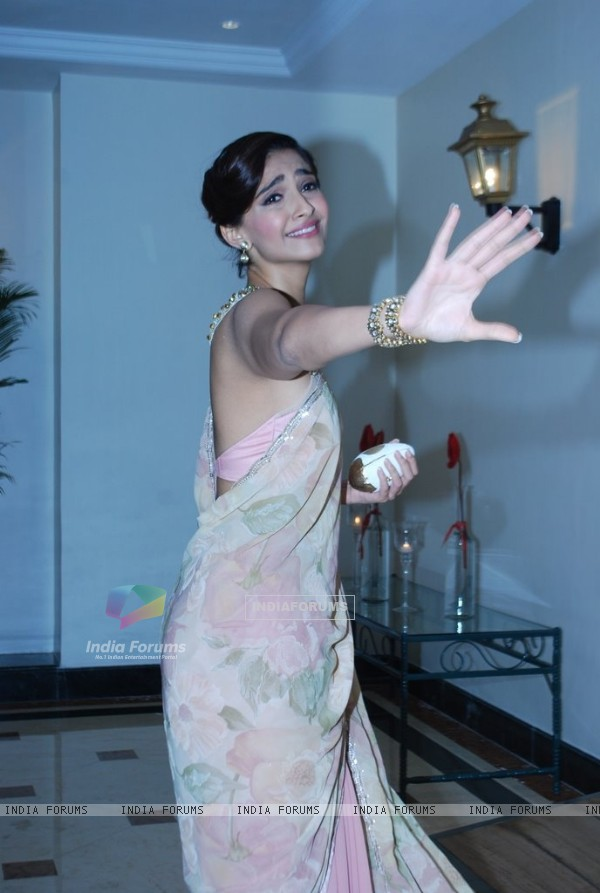 Sonam Kapoor makes a dramatic pose for he cameras