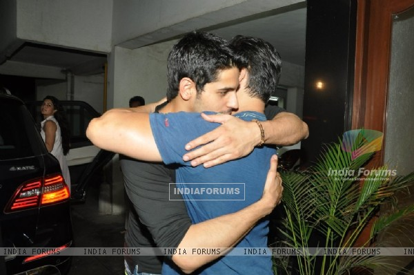 Sidharth Malhotra hugs Salman Khan at the success party of Ek Villain