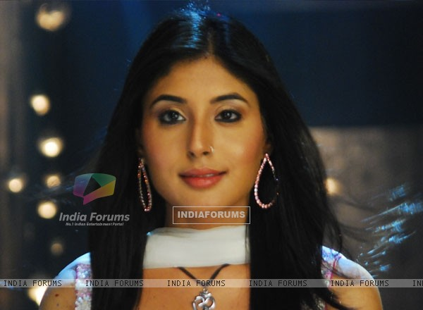 Kritika Kamra looking marvellous