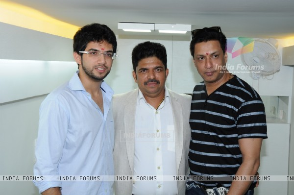 Aditya Thackeray and Madhur Bhandarkar pose with the Hair Designer