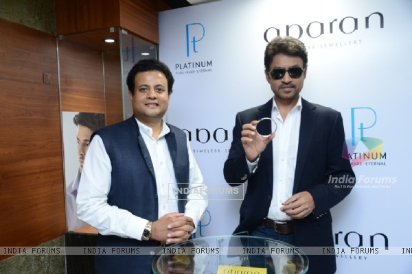 Irrfan Khan shows Abaran's Seasons Collection of Platinum Jewellery for Men