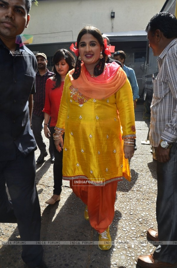 Vidya Balan at the Promotions of Bobby Jasoos on Jhalak Dikhala Jaa