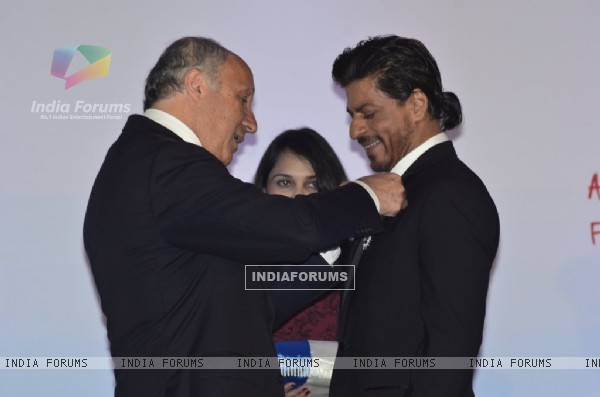 Shahrukh Khan honoured by the French Government with the Chevalier de la Legion D'honneur