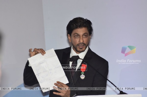 Shahrukh Khan shows his honour by the French Government