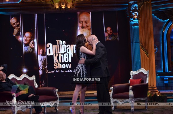 Alia and MAhesh Bhatt with Anupam kher at the show