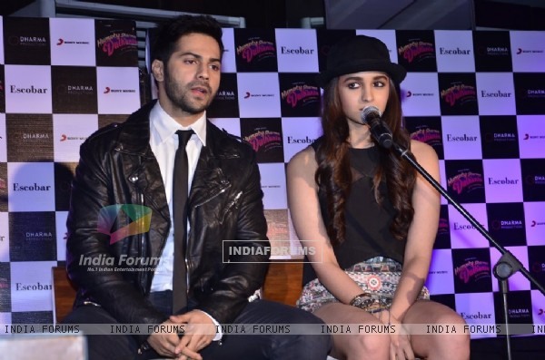Alia Bhatt and Varun Dhawan promotes Humpty Sharma Ki Dulhania at Escobar