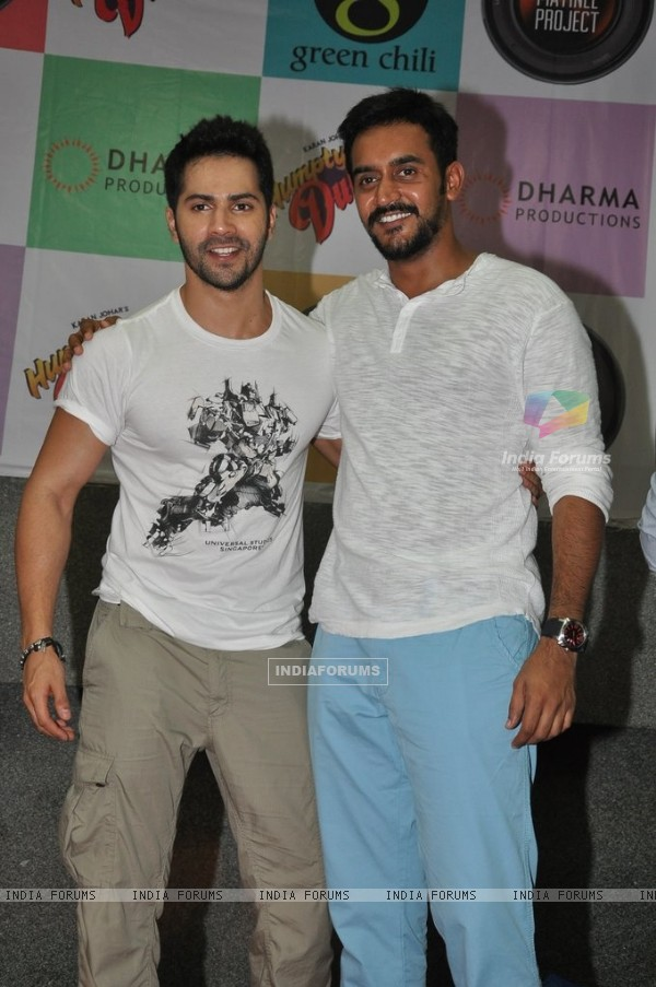 Varun and Shashank Khaitan visits Mithibai College for the Promotion of Humpty Sharma Ki Dulhania