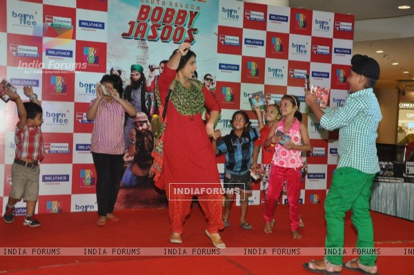 Vidya Balan performing at the promotions of Bobby Jasoos at R City Mall