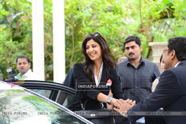 Shilpa Shetty arrives at Launch of Satyug Gold