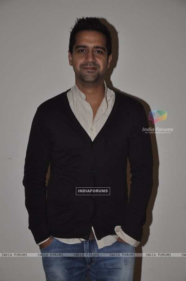 Kavi Shastri poses for the media at the Promotions of Amit Sahni Ki List