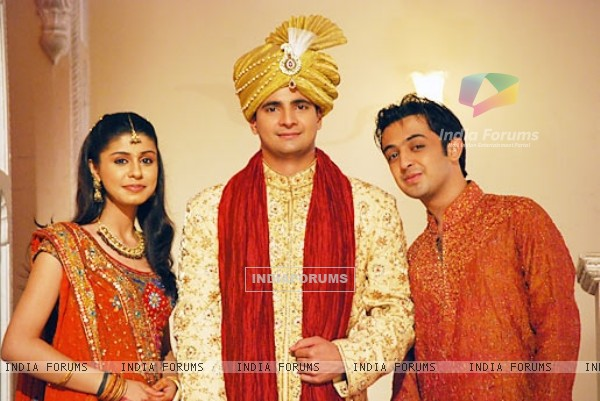 Naitik, Rashmi and Mohit in YRKKH