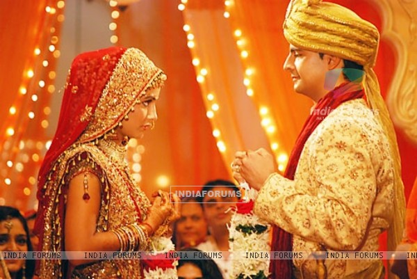Marriage still of Akshara and Naitik