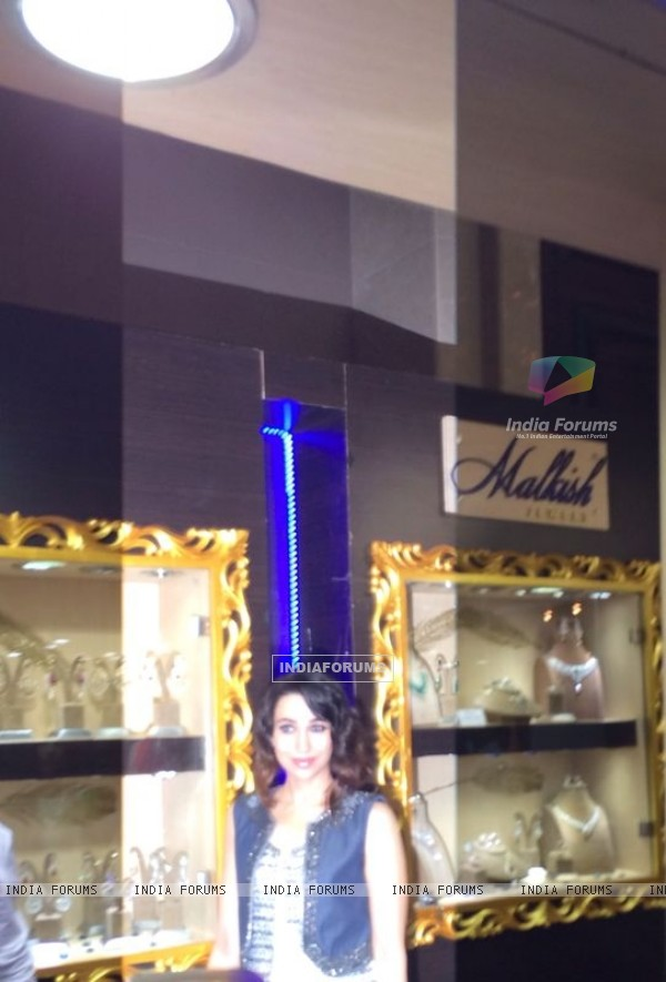 Karisma Kapoor at Malkish Jewellers