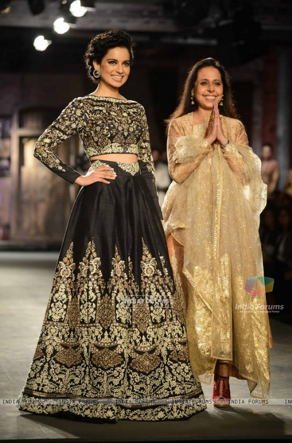 Kangana Ranaut and Anju Modi at the Indian Couture Week - Day 2