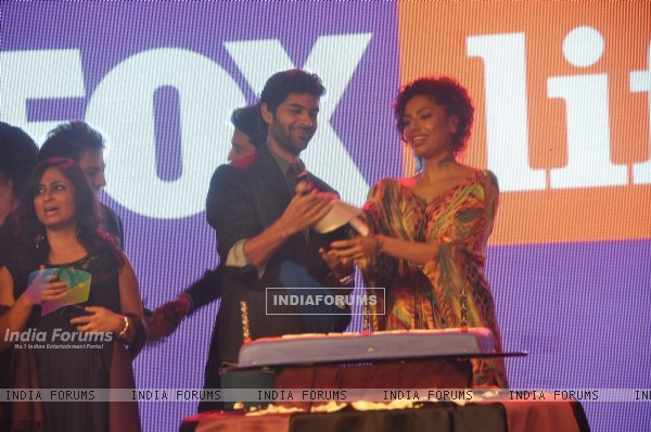 Purab Kohli opens a champaign bottel at the Fox Life Party