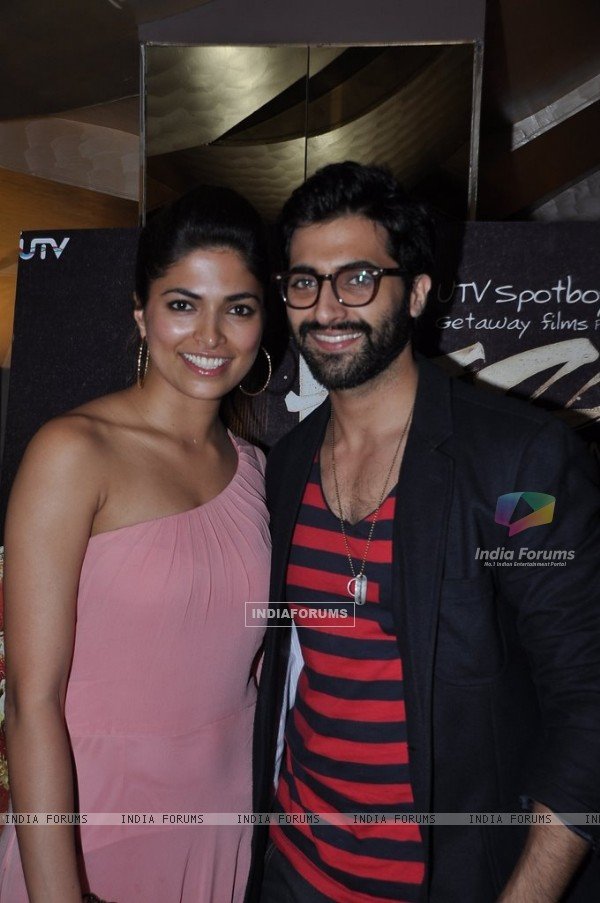 Parvathy Omanakuttan poses with Akshay Oberoi at the Premier of Pizza 3D