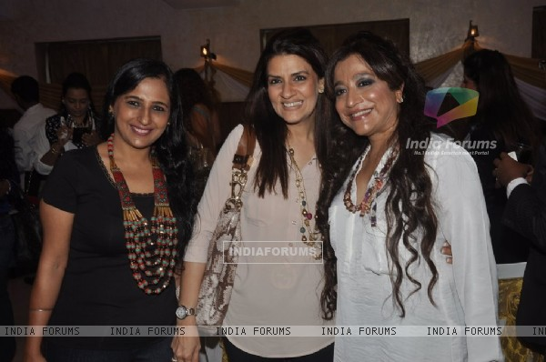 Charu Anand with friends at her Birthday Bash