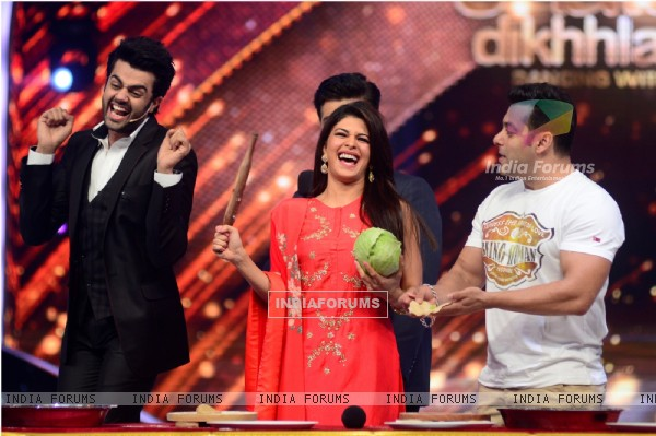 The team of Kick enjoy a roti making competition on Jhalak Dikhhla Jaa