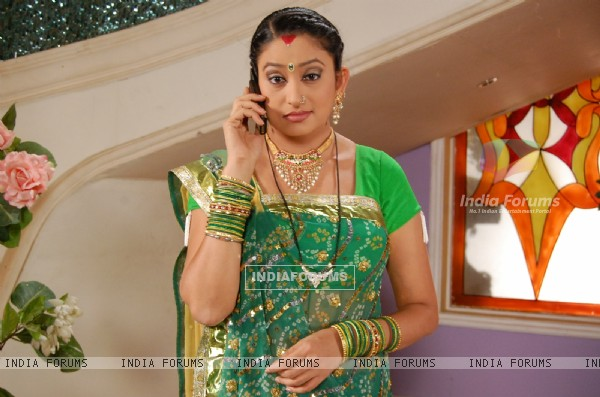 A still of Alpa from the show Hamari Devrani